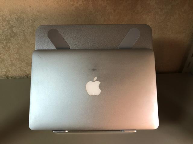 MacBook Airとの比較